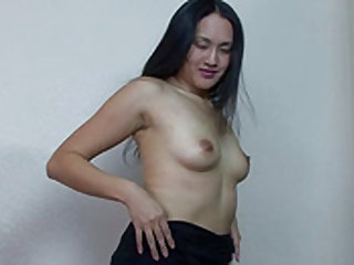 Playful Sarin g strips nude