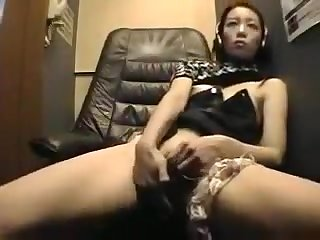 girl masturbating in video room part 2