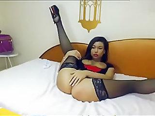 AsianFoxxx shows her pussy